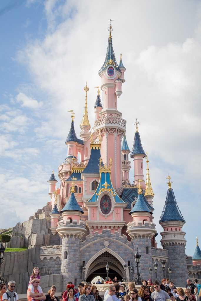 (Disneyland Paris, une destination phare d'Île-de-France)